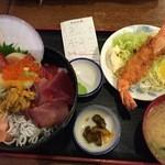 海ぼうず - 料理写真:海鮮丼セット1,620円(うに、イクラ、マグロ、甘エビ、ホタテ、まぐろ中落ち、有頭海老フライ)