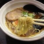 尼龍 - 尼龍ラーメン<醤油>(700円)麺リフト
