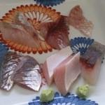 館山海の物産センター銀座船形 - お通しの刺身