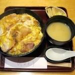 日本料理 ひなどり - 親子丼(870円)