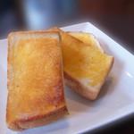 モンディアルカフェ328 - バタートースト