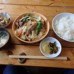 味処にしはら - 料理写真:料理 ランチは 野菜炒め