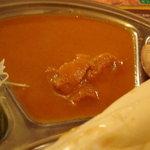 ネパールキッチン Kathmandu - ランチのチキンカレー!隣に邪魔なキュウリが・・・・