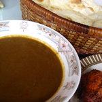 ジャンバーラ - お勧めカレー(ほうれん草とエビ)の大辛