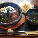 焼肉おがわ - 料理写真:石焼ビビンバ定食