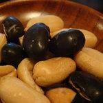 珈琲屋 らんぷ - お豆も付いてきます