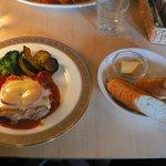 カフェ・ド・グランボワ - チーズのせチキンのトマトソース