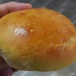 白殻五粉 - 酒種あんぱん247円