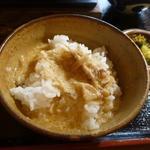 すきやきしゃぶしゃぶ 神戸牛石田 - 残ったとろろをご飯にかけていただきました。これが中々美味しい!