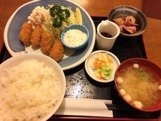 くろしお 田無南口店 - カキフライ定食。