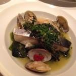 カーザ ヴィニタリア - 鰆と海藻の蒸したお皿