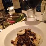 カーザ ヴィニタリア - タヤリン 蝦夷鹿と内臓のボロニェーゼにあわせてもらった赤ワインはChianti Classico 2011