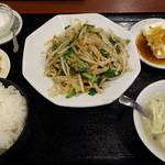 福盈門 - にらと豚肉の黒胡椒炒め