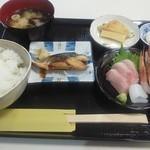 越前田村屋 - 料理写真:限定15食の「日替わり定食」1,000円