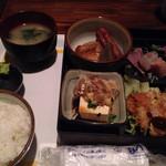 味のれんぱちぱち - 料理写真:日替わりランチ定食780円