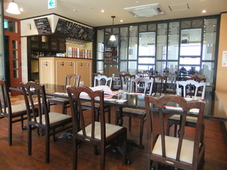 Steak&Wine Vabene フォルテ店 - 奥の広々フロア