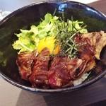 35511675 - ステーキ丼定食980円♪