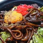 ララチーチャンベントウ - 黒焼きそば。太麺です。