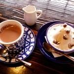 茶房 天井棧敷 - ホットココア&モン・ユフ