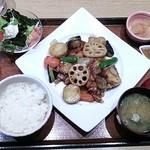 大戸屋 - 鶏の黒酢あんかけ定食