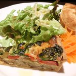35538011 - Cランチ 1580円 の野菜のキッシュ、キャロットラペ、サラダ