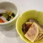 35538411 - 前菜は小鉢2つ。