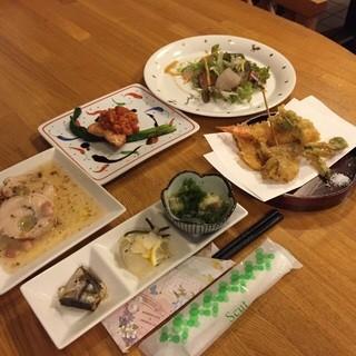 団体のお客様用にコース料理もご用意しております!