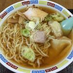 大来軒 - ワンタン麺 小