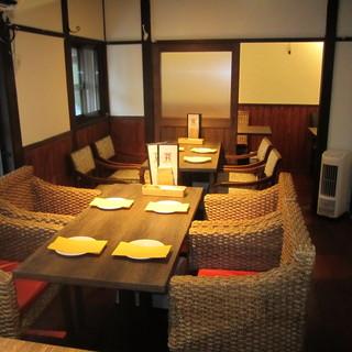 【2~8名様】ゆったり座れる寛ぎテーブル席
