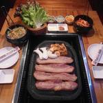 上野 韓国料理 兄夫石焼屋 - サムギョプサル