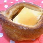 クレイン - 料理写真:プリンパン¥115 プリン&カラメルソースがそのまんまイン☆♪