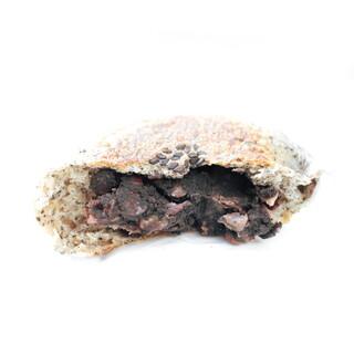 パンデュース - 全粒粉100%黒ごまあんぱんの断面 '15 2月中旬