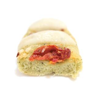 パンデュース - 美味しいセミドライトマトとモッツァレラをのせたバジルのフォカッチャの断面 '15 2月中旬