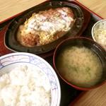 きそば 札幌 小がね - でもあけると白飯!これはカツ丼ではやっぱりナイ♪面白いです!