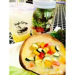 ベジーガレージ - 本日のジャーサラダ&5種野菜のトルティーヤピザのセット ¥1080