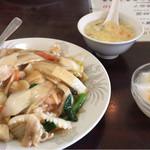金龍園 - 野菜あんかけ御飯 (中華丼)