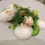 リベルタス - 魚料理 すずきのポワレ、ハマグリの泡のソースと春菊のソース