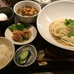 35559528 - つけ麺定食のホルモンつけ麺(冷たい麺)、卵かけご飯用の卵付