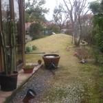 35559925 - 窓からのお庭の風景
