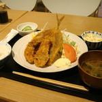 にっぽん漁港食堂 - 20150303 本日のフライ定食(アジ&カキ)