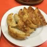 餃子会館 - やっぱり餃子ですよね(*^_^*)