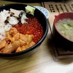 くいしんぼう函館 - 4色丼(ウニ・あわび・いくら・蟹)1700円税別