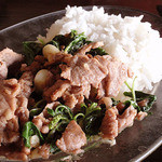 Pae Krung Kao - 牛肉のガパオライス