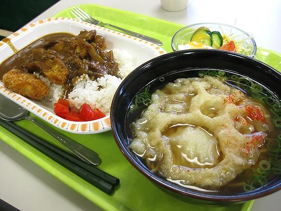 姫路警察署 署員食堂 厨房「アントレ」