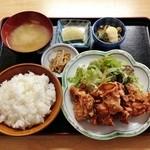 真龍 - ザンギ定食(630円)