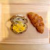 ロッド - 料理写真:クロワッサンとパンプキンサンド