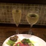 石窯バール デコレ - スパークリングと、白ワイン。