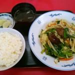 兼六飯店 - レバニラ定食