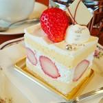 西洋菓子 シンシア - まるごと苺