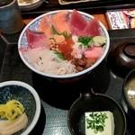 35576383 - ランチ海鮮丼